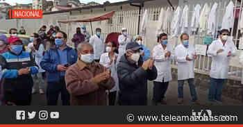 Personal de salud del Hospital Básico de Sangolquí realizan un plantón - Teleamazonas