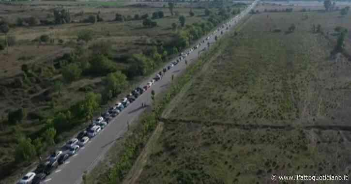 Coronavirus, coda di oltre 20 chilometri tra Albania e Grecia: migliaia di lavoratori bloccati al confine per le nuove misure anti-Covid