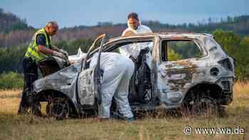 Unfall in Reichshof (NRW): Auto kracht gegen Baum - Fahrerin verbrennt - wa.de