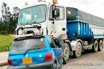 Dos jóvenes pierden la vida en accidente de tránsito en Nemocón - Zipaquirá,... - Noticias Día a Día