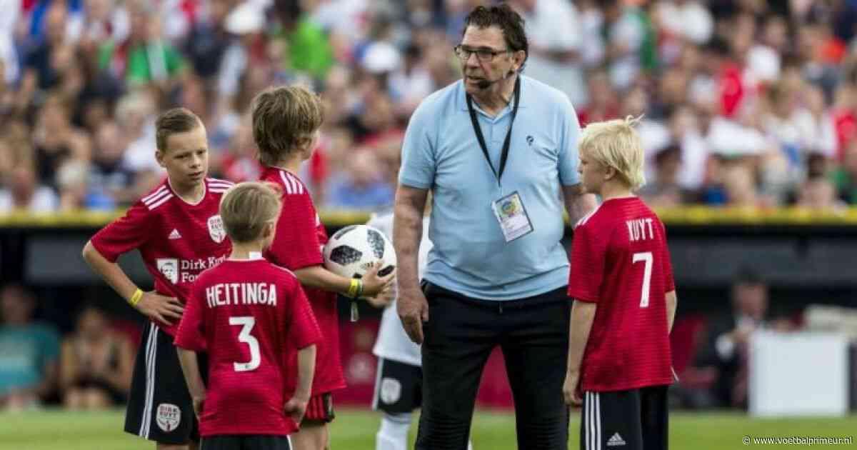 Van Hanegem zet vraagtekens bij 'gekke' Feyenoord-transfer: 'Heel apart'