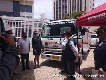 Dirección Nacional de Bomberos entrega camión cisterna a Sitionuevo - El Informador - Santa Marta