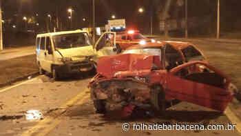Veículo de Barbacena sofre acidente na BR-040, em Conselheiro Lafaiete - Folha de Barbacena