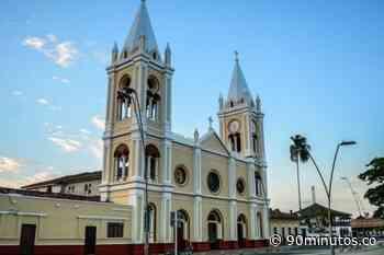 Entregan becas para jóvenes en Guacarí - 90 Minutos