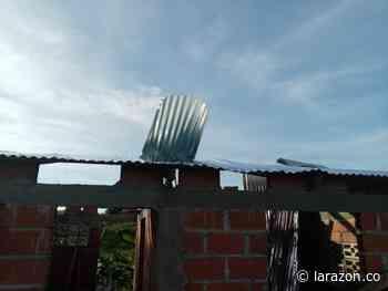 Más de cien viviendas destechadas dejó el paso de vendaval en Moñitos - LA RAZÓN.CO