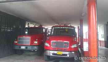 Aislado personal de bomberos de Carmen de Apicalá en Tolima - Caracol Radio