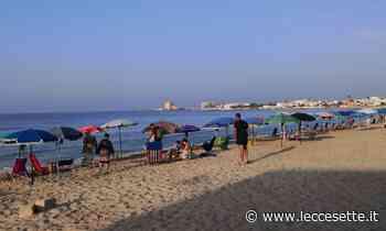 Torre Lapillo, una sfilza di ombrelloni e sdraio per i bagnanti fantasma - LecceSette