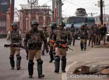 Pusat memerintahkan penarikan segera 10.000 pasukan paramiliter dari Jammu dan Kashmir - Klikbulukumba.com
