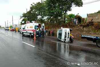 Accidente de tránsito ocurrido en la Panamericana a la altura de Atuntaqui - Diario El Norte
