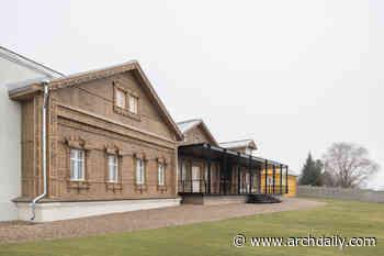Suzdal Estate House / FORM Bureau - archdaily.com