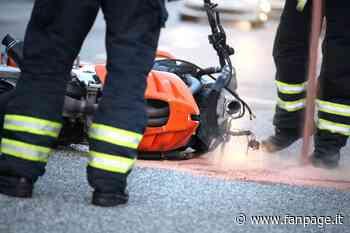 Ostiglia, schianto tra auto e moto sulla statale dell'Abetone e del Brennero: feriti e strada chiusa - Fanpage.it