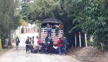 Migrantes pretendían entrar a Zapatoca en camión con ladrillos - Caracol Radio