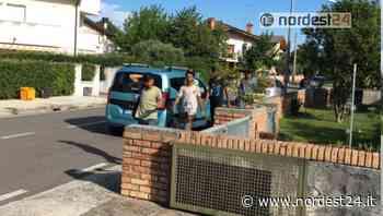 Pradamano. Scaricati 50 migranti: si dileguano tra case e campi - Nordest24.it