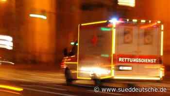 Auto überschlägt sich: 83-Jähriger schwer verletzt - Süddeutsche Zeitung