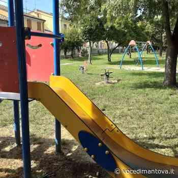 Ostiglia, prosegue la sanificazione dei parchi giochi del territorio comunale - La Voce di Mantova