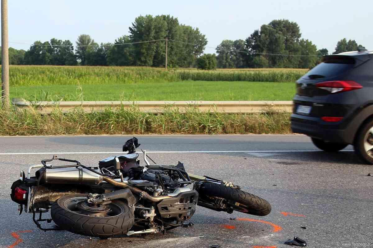 Grave incidente a San Giuliano Milanese, uomo cade dalla sua moto e muore - Fanpage.it