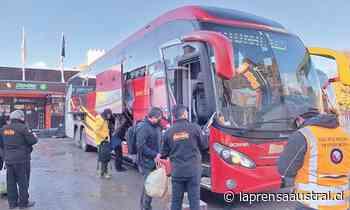 Transporte fiscaliza traslado de pasajeros entre Punta Arenas y Puerto Natales - La Prensa Austral