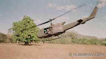 Imágenes del helicóptero derribado por el FMLN en Lolotique, el supuesto responsable fue capturado este martes - elsalvador.com