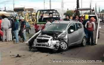 Patrulla de Vialidad Estatal embiste vehículo en San Sebastián Tepalcatepec - El Sol de Puebla
