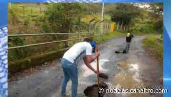 Alcaldía de Ragonvalia realizó reparcheo al Puente La Unión - Canal TRO