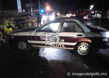 Abandonan el taxi 96 de Oluta en la carretera Transístmica - imagendelgolfo.mx