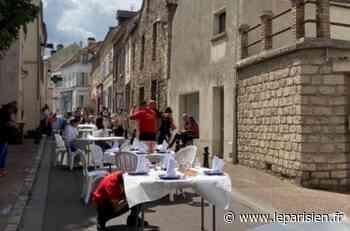 Les restaurateurs sans terrasse s'installent dans les rues de Maule - Le Parisien