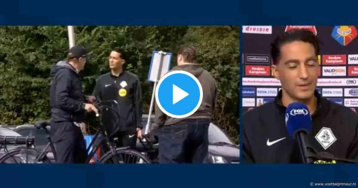 """Van Hanegem fietst langs Telstar-stadion en praat bij met Gözübüyük: """"Een topper"""""""