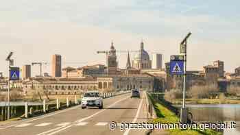 Mantova, ponte di San Giorgio e via Fernelli: piano asfalti più magro - La Gazzetta di Mantova