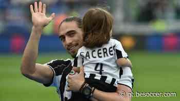 Juventus anuncia chegada por empréstimo de Martin Caceres - BeSoccer PT