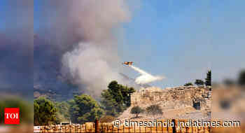 Greece: Wildfire stopped at gate of ancient fortress city