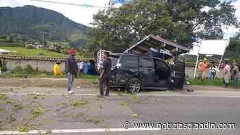 Choque múltiple deja herido en Sesquilé, Cundinamarca - Noticias Día a Día