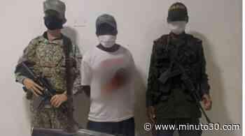 FOTOS: Capturaron a un presunto terrorista del ELN con un fusil en Juradó, Chocó, mientras que otro se desmovilizó - Minuto30.com