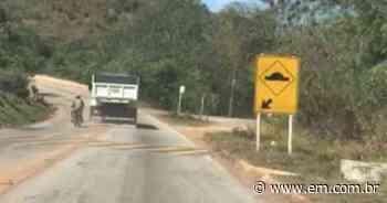 Motorista de caminhão impede passagem de motociclista na estrada de Raposos; veja vídeo - Estado de Minas