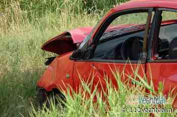 Automobilist rijdt van talud bij Stegeren - 112Vechtdal