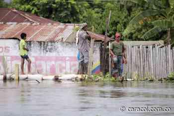Entregan ayudas a familias afectadas por inundaciones en Altos del Rosario, Bolívar - caracol.com.co