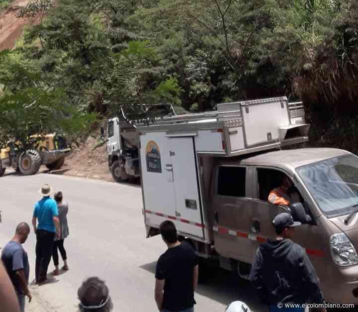 Cierre total en la vía Amagá–Titiribí, en el Suroeste, por deslizamiento - El Colombiano