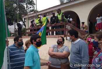 Comité Cívico de Camiri continúa tomado por bloqueadores - EL DEBER
