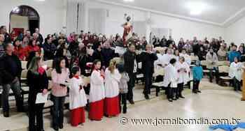 Notícias | Notícias: iniciada-novena-da-paroquia-sao-cristovao - Jornal Bom Dia