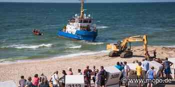 Großeinsatz auf Sylt: Havarie! Kapitän steuert Schiff auf Badestrand - Hamburger Morgenpost