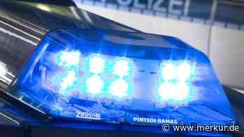 Bus und Bahn stoßen zusammen: Feuerwehr muss im Nachbarlandkreis helfen - Merkur.de