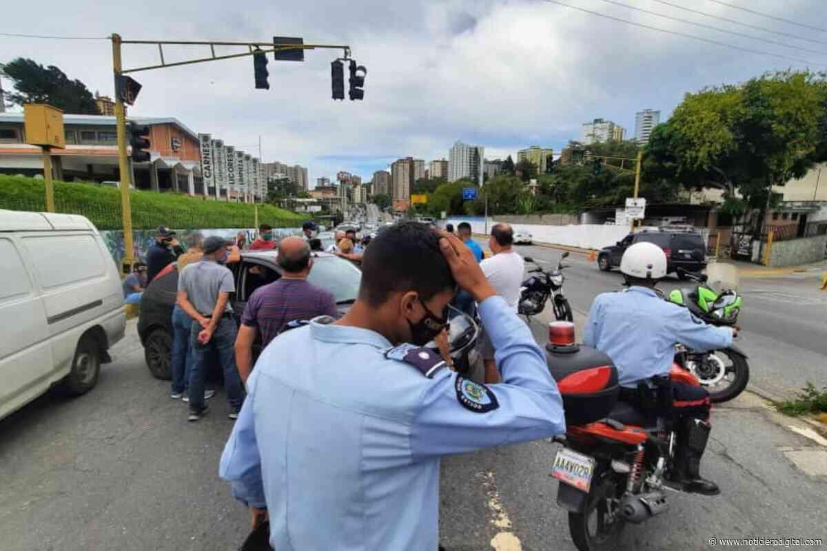 """Protestaron en San Antonio de Los Altos: """"No llega gasolina a la E/S Don Blas desde la semana pasada"""" - Noticiero Digital"""