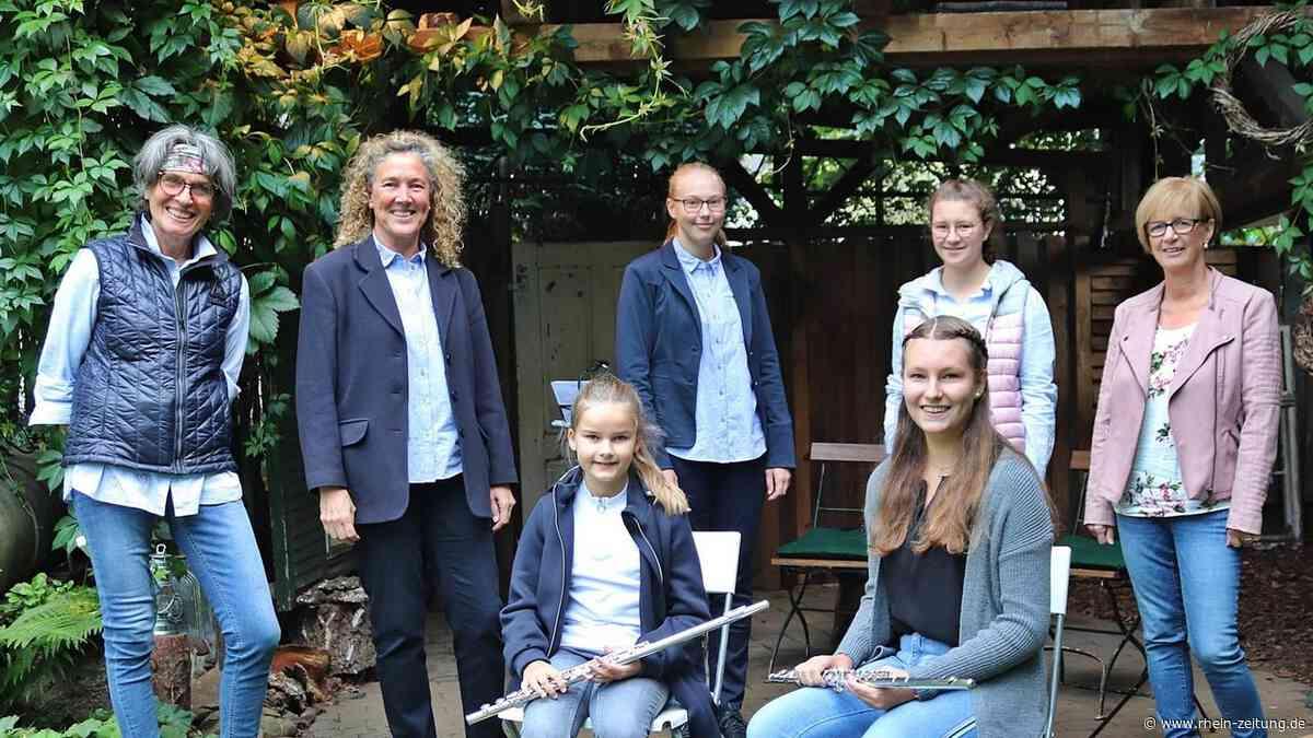 Margarete Ermert öffnet Tore in Alsdorf: Traummelodien im traumhaften Garten - Rhein-Zeitung