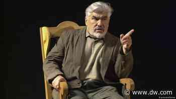 Mit 90 noch kein bisschen müde: Mario Adorf - DW (Deutsch)