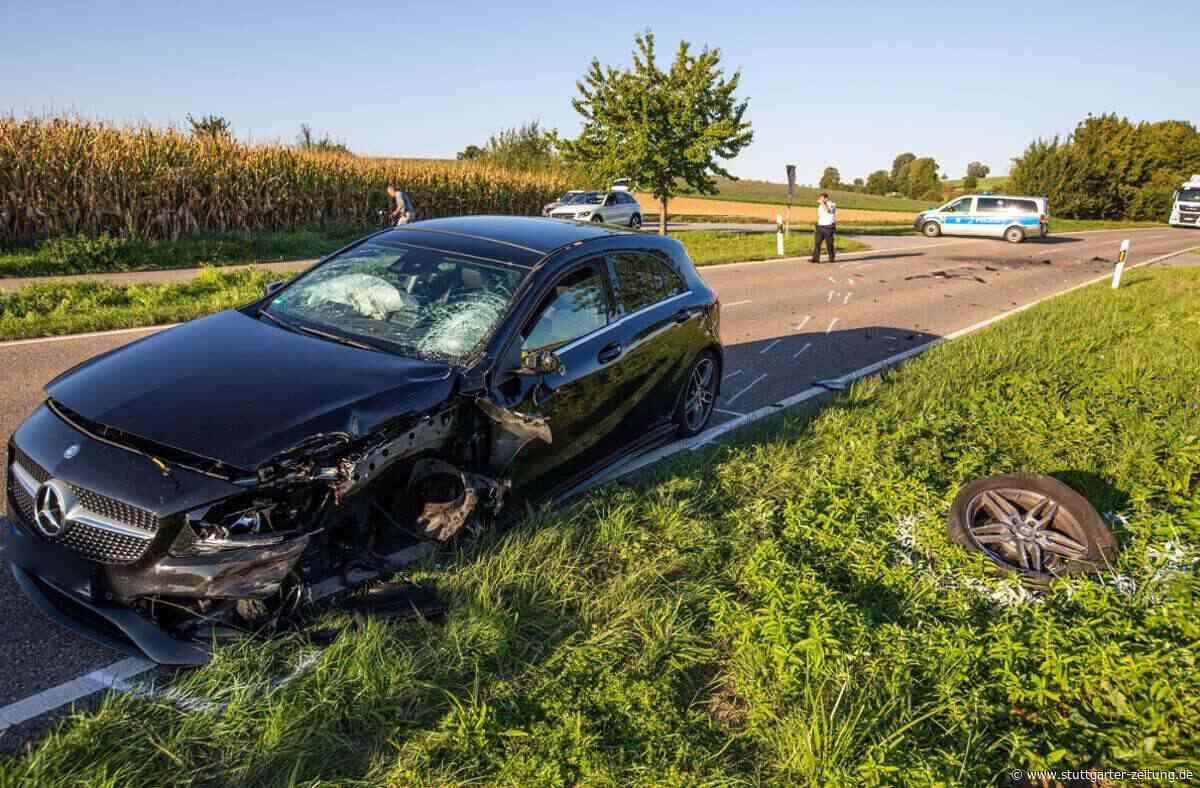 Unfall zwischen Marbach und Affalterbach - Zusammenstoß im Gegenverkehr: Motorradfahrer lebensgefährlich verletzt - Stuttgarter Zeitung
