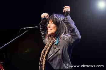 Buffy Sainte-Marie to headline virtual BC Indigenous music festival - Victoria News