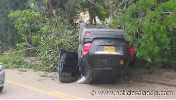 Susto y daños materiales en accidente entre Tocaima y Girardot, Cundinamarca - Noticias Día a Día