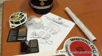 Sogliano al Rubicone. Nascondeva in casa cocaina, denaro e materiale per il confezionamento di sostanze stupefacenti: arrestato 47enne dai Carabinieri - cesenanotizie.net