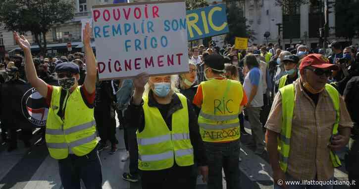 Francia, i gilet gialli tornano in piazza dopo il lockdown ma l'adesione è bassa. Scontri in piazza: fermati in 222