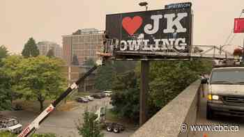 I Love J.K. Rowling sign makes brief, controversial appearance in Vancouver