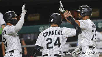 Abreu Homers Twice as White Sox Rout Tigers 14-0